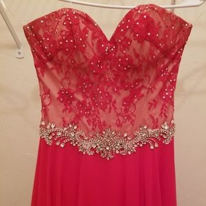 Red prom dress, strapless